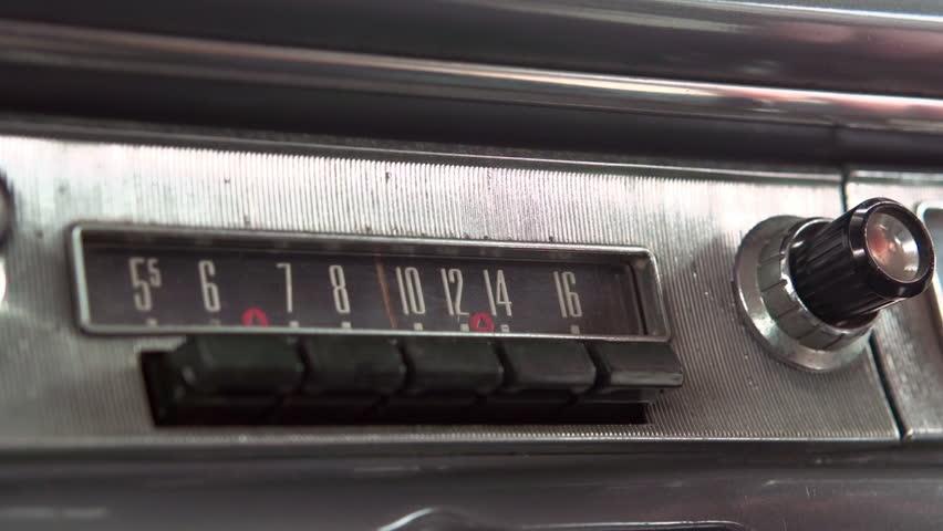 Adjusting classic car stereo