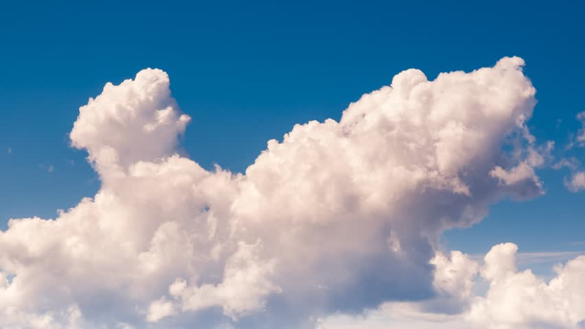Time lapse clip. HD video (High Definition). White fluffy clouds in the blue sky. #4791641