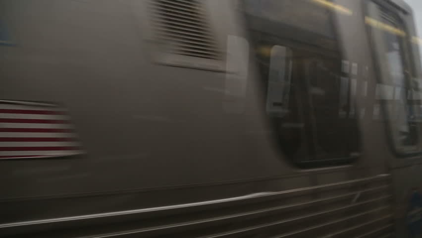 Brown line train in Chicago, video | Shutterstock HD Video #5711579