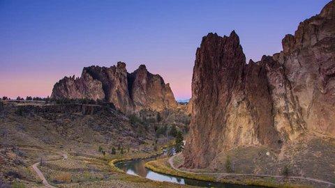 Stunning Sunrise Time Lapse on Smith Rocks Oregon