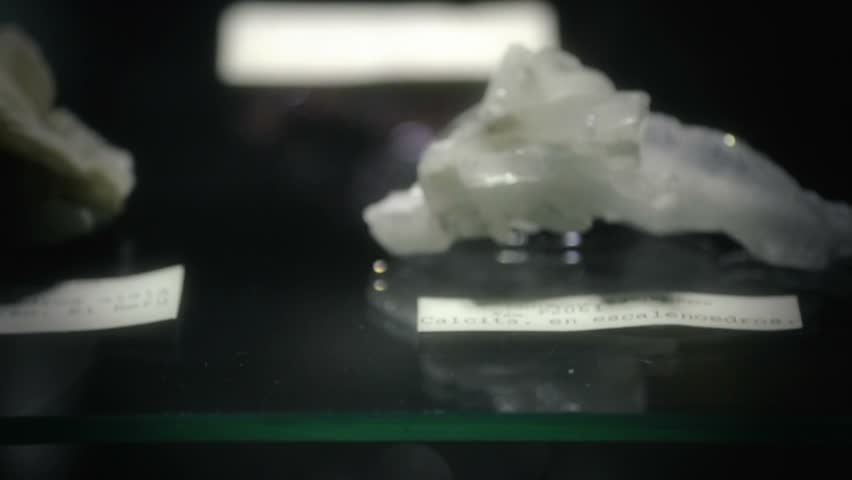 White quartz tagged and exhibited on a glass showcase