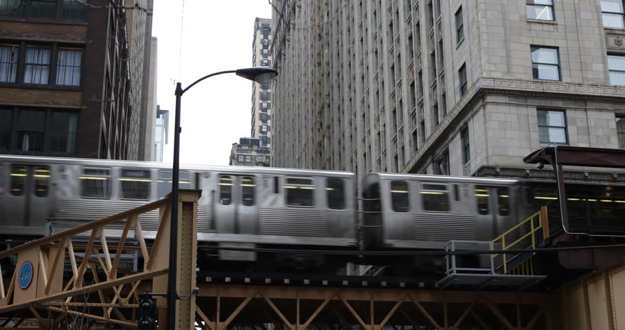 L Train Passing Modern Downtown Chicago Transit Authority Vintage Metro Subway ( Ultra High Definition, Ultra HD, UHD, 4K, 2160P, 4096x2160 )