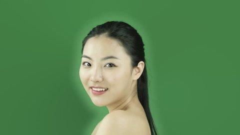 Asiatische nackt Junge Mädchen Ein warmes
