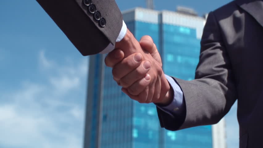 Conceptual video of business people shaking hands in agreement #6722431