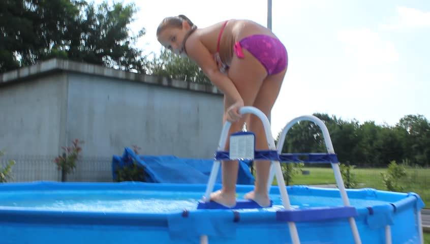 Summer Girl Simone Peach Getting Double Fucked By The Pool Pornrewind 1