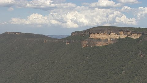 Forested peaks of Blue Mountains
