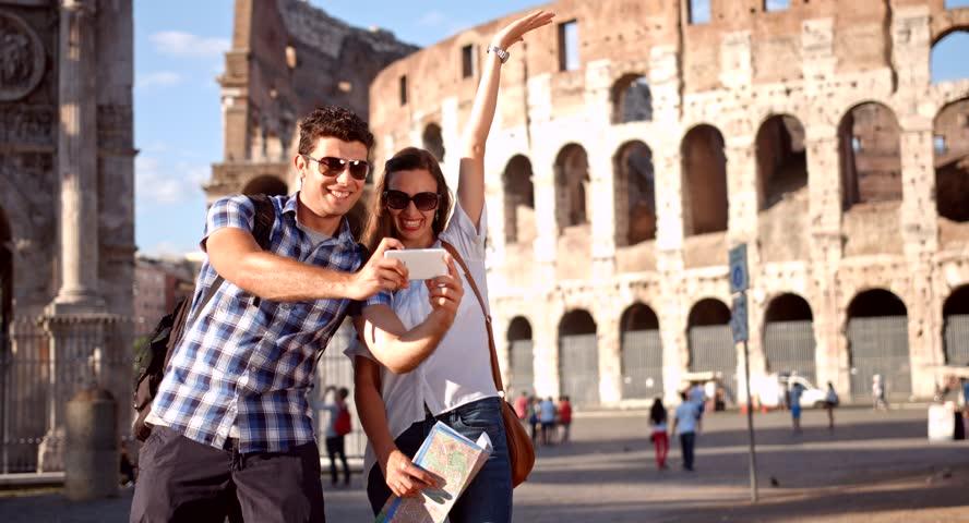 Taking Selfie Smartphone Tourism Rome : стоковые видео (без ...