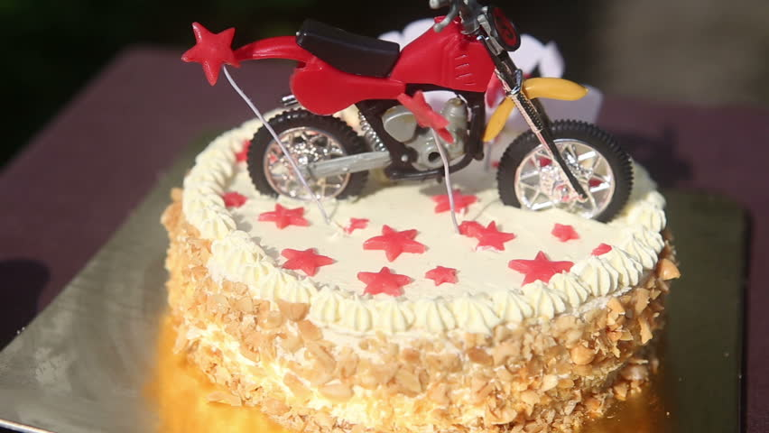 Miraculous Close Up Birthday Cake With Arkivvideomateriale 100 Funny Birthday Cards Online Alyptdamsfinfo