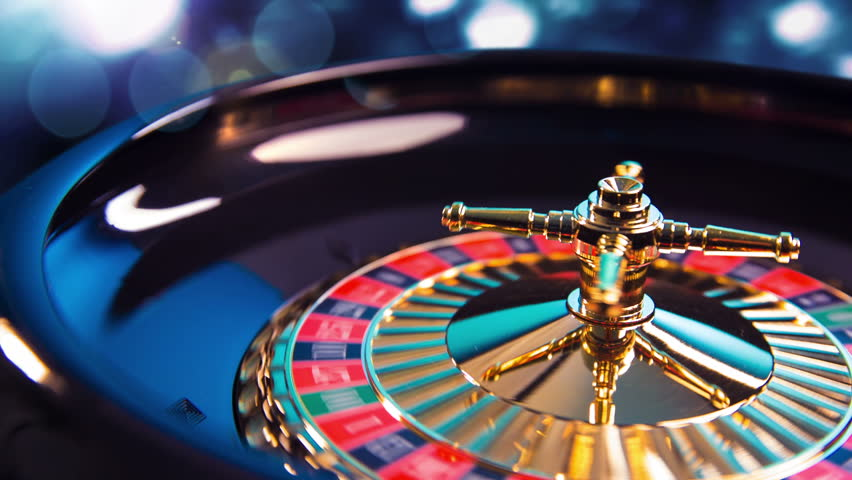 Roulette Wheel in Motion with 库存影片视频(100% 免版税)8799208 | Shutterstock