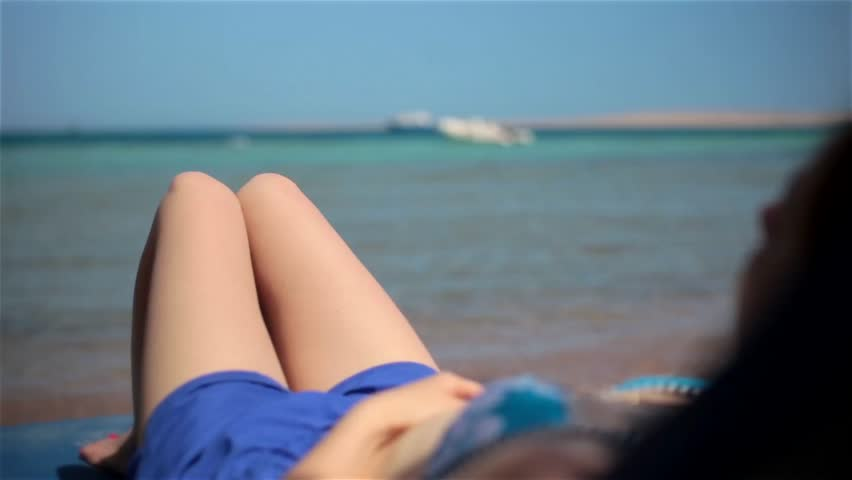 Naked girls beach ðŸ