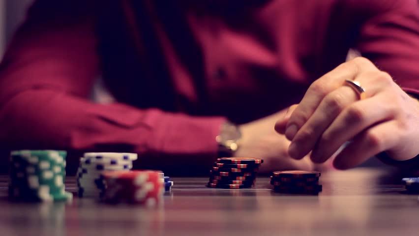 Tips Untung Maksimal Bermain Poker Deposit Pulsa Online