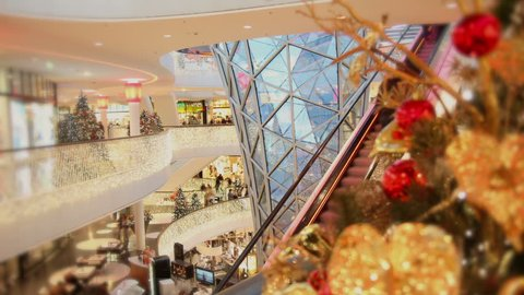 Consumer on escalators at christmas time - Time lapse
